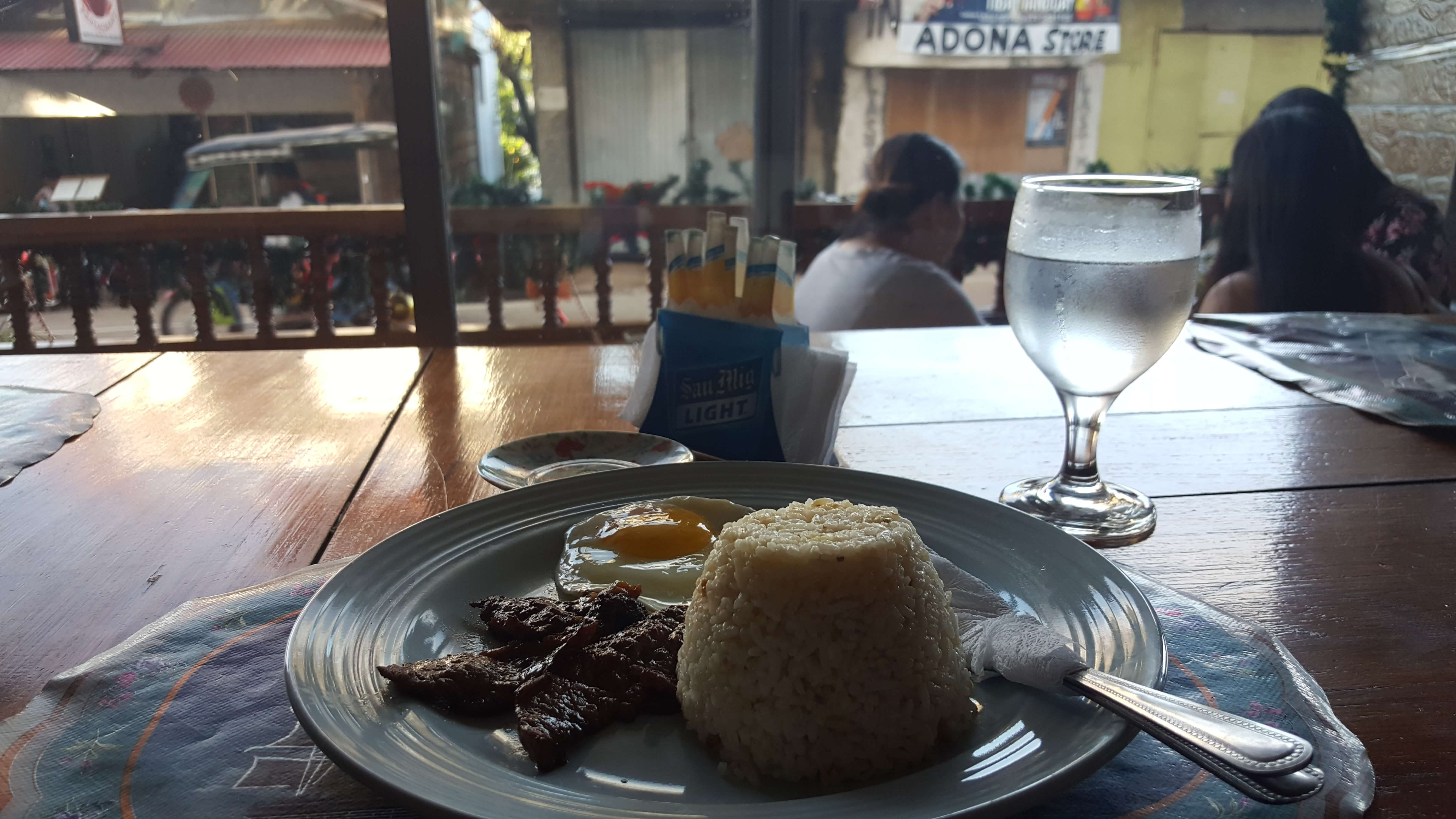 Desayuno típico filipino