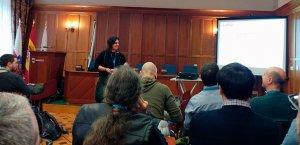 Ana Cirujano dando una ponencia en la WordCamp Santander 2017